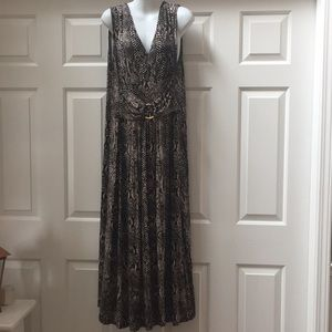 Two piece maxi dress size Large.